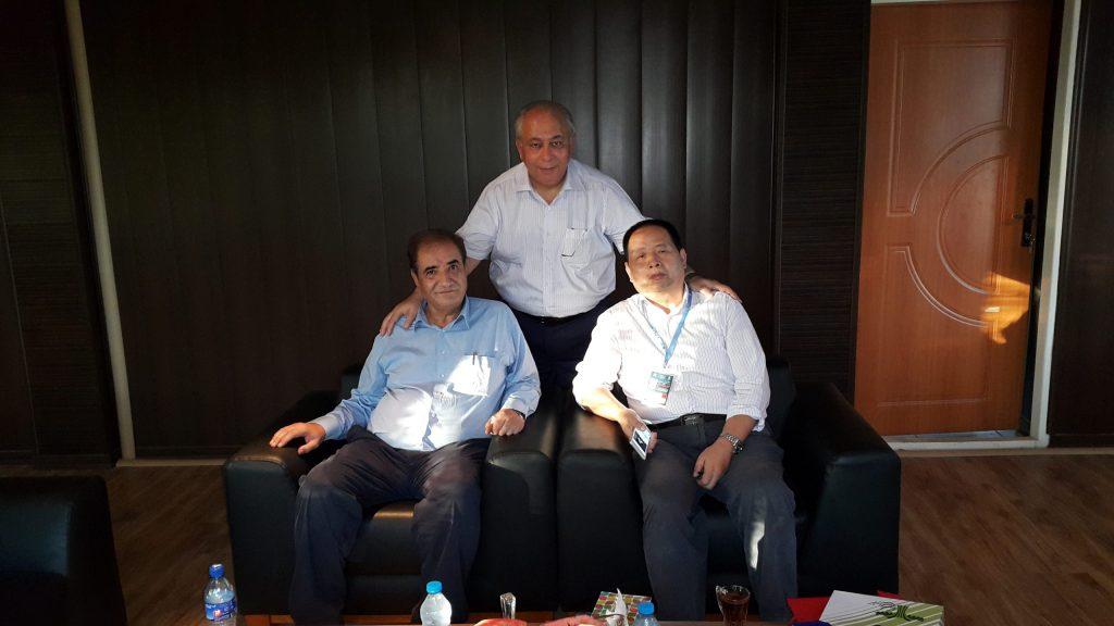 همراه با رئیس شرکت ووشی هوالیان و آقای داوودی صاحب شرکت ایستافلز